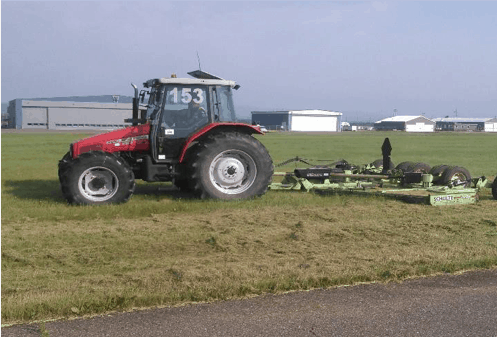 Grounds maintenance vehicle - Tractor 153